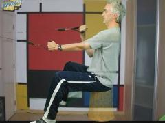 Rechte biceps-pulley met elastiek
